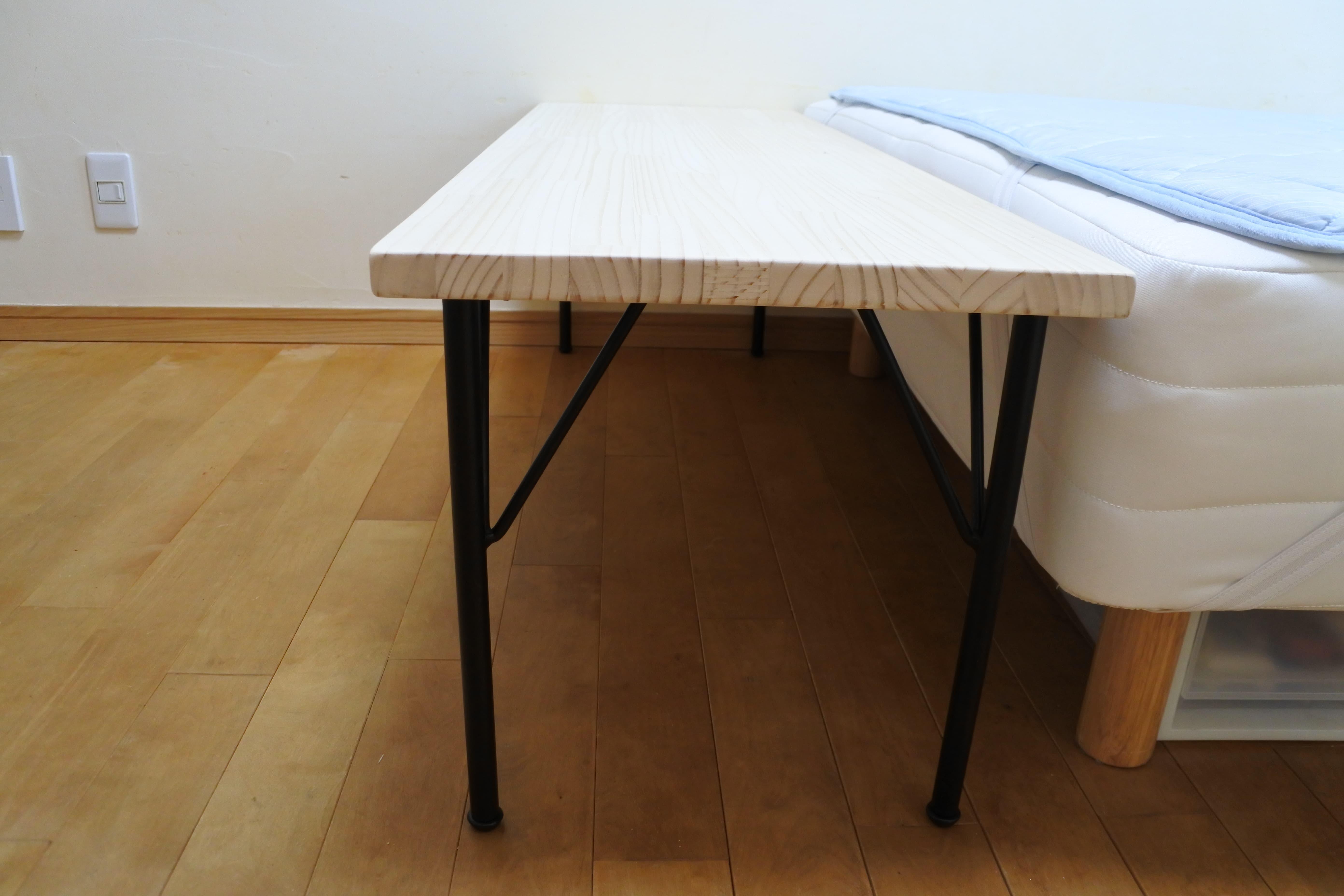 サイドテーブル おしゃれ ニトリ ベッド diy