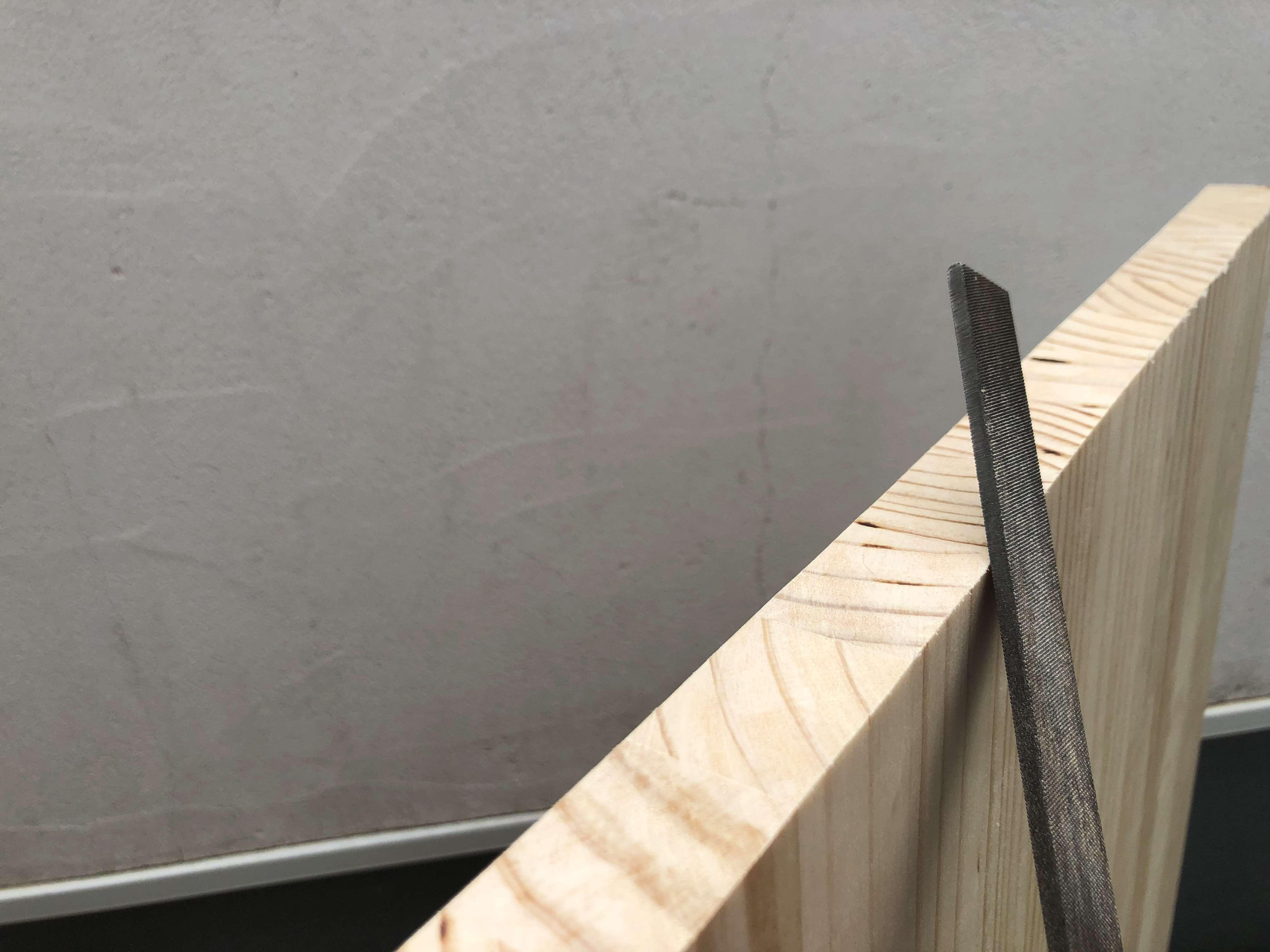テーブル-DIY-作り方-パイン材-天板-やすり