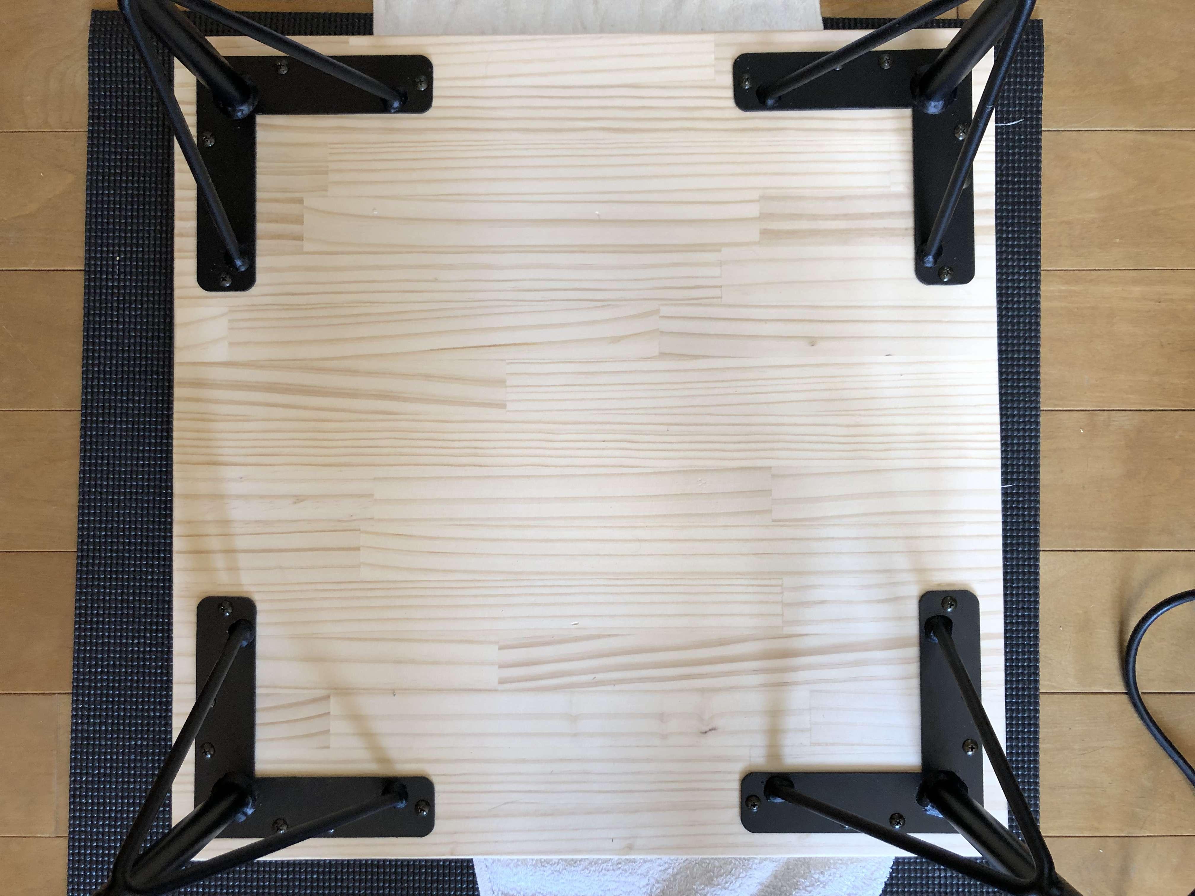 テーブル-DIY-作り方-パイン材-天板-アイアン脚-完成